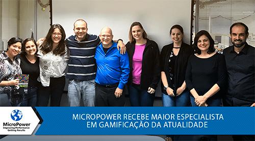 Colaboradores da MicroPower recebem Karl Kapp